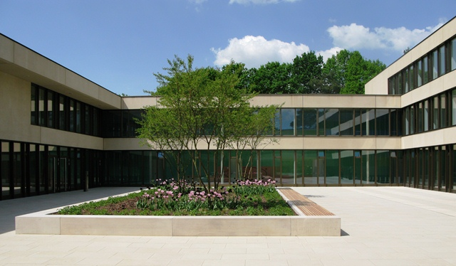 Bild Hörsaalgebäude-Atrium